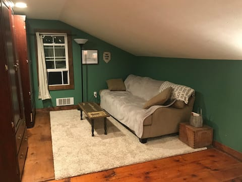 Closed/Rustic Resort In The Heart of Pultneyville