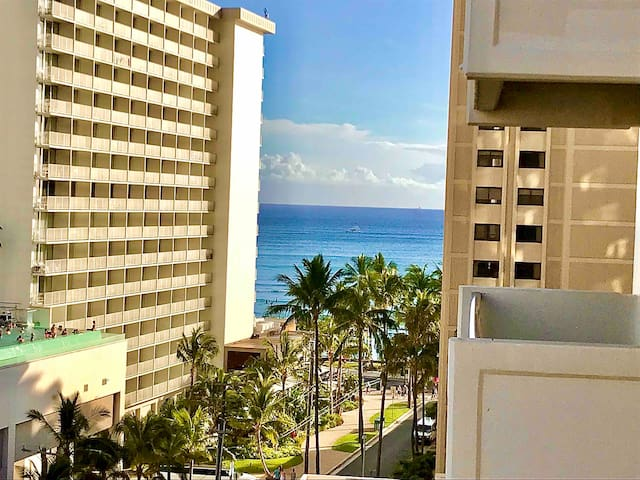 Waikiki Ocean View Studio