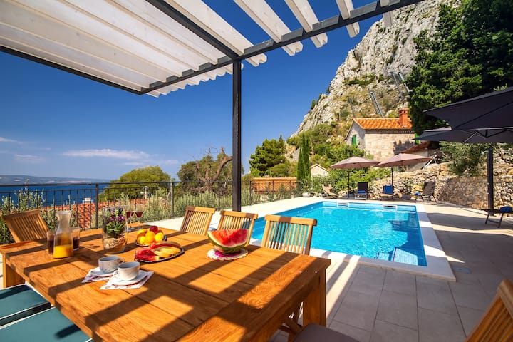 VILLA B2B with heated pool and panoramic sea views