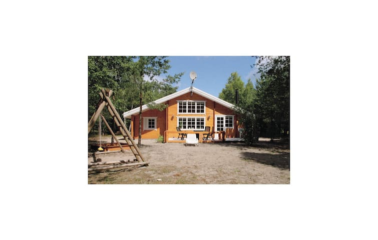 Holiday cottage with 2 bedrooms on 87 m² in Hadsund