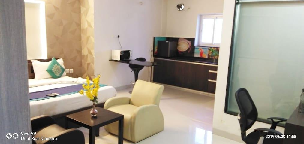 lavish studio flat daily base rent in kondapur
