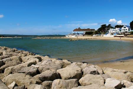 The perfect summer retreat on the Sandbanks Peninsula - Poole