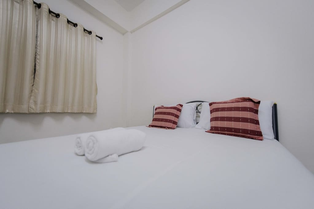 Bed Room & Comfortable (King Size)