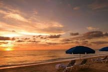 Yes, leave the snow & feel at home A sunset or sunrise is breathtaking Make new memories... Confirm your stay at Angel's Divine Sanctuary is Amazing.  I am your Super Host Angel The dates are in high demand so confirm automatically:  please come Stay