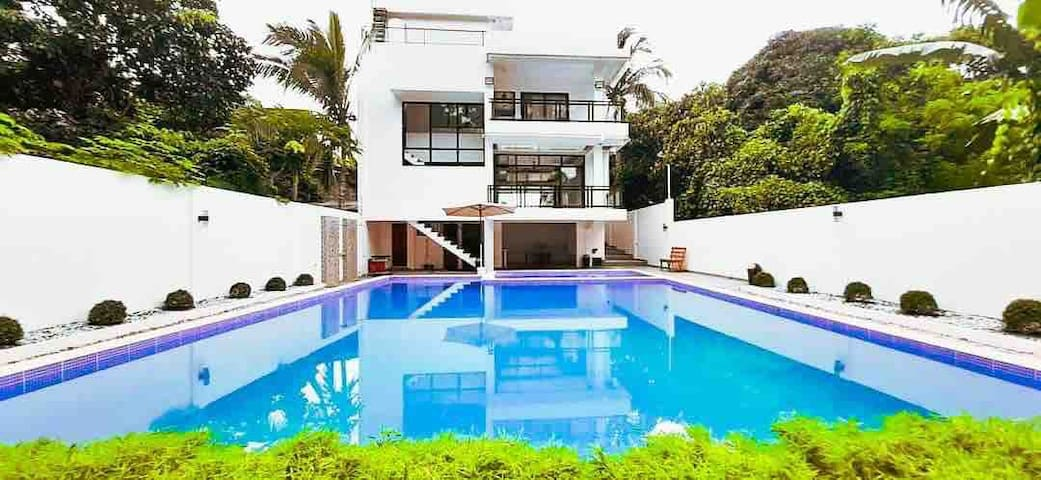 Private Villa Resort in Mendez - Tagaytay Cavite