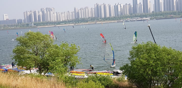 Water sports  in Han River