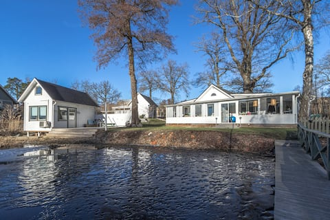 Picturesque 3BR Villa by the lake in Nacka