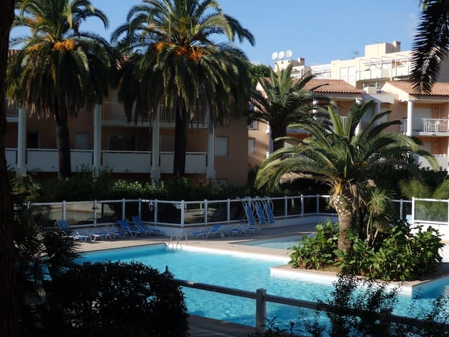 Juan les pins/Golfe Juan, 3mn walk to the beach