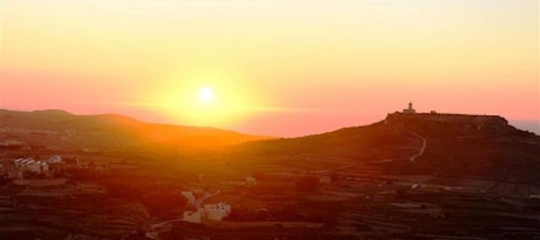 Luxury Hideaway with breathtaking views Gozo - Haz-Zebbug - Apartment