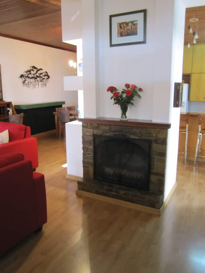 Three Bedroom comfortable home Dhometiou