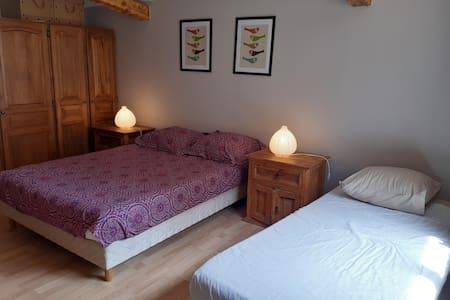 Chambre  dans villa  à 100 m de la mer, SDB privée