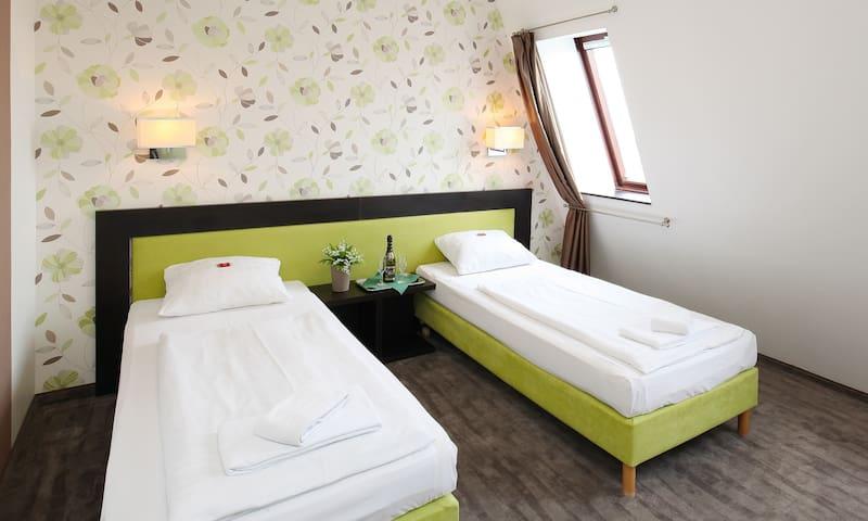 Hotel Medos Budapest, Economy Twin