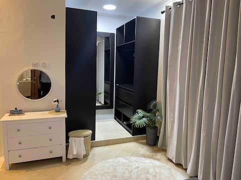 Atemberaubendes 1-Schlafzimmer-Wohnheim von MAS