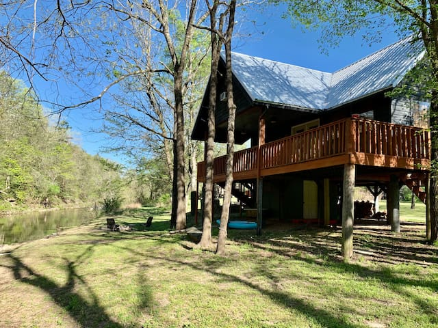 The Camphouse ~ ON Livingston Creek