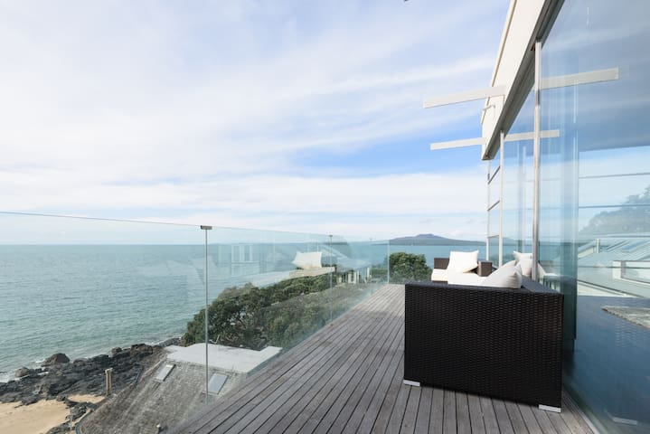Penthouse with Stunning  Sea Views - Auckland - Daire