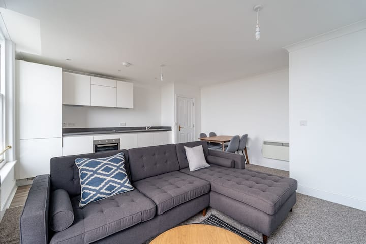 Luxurious 1BR in the Centre of Malvern