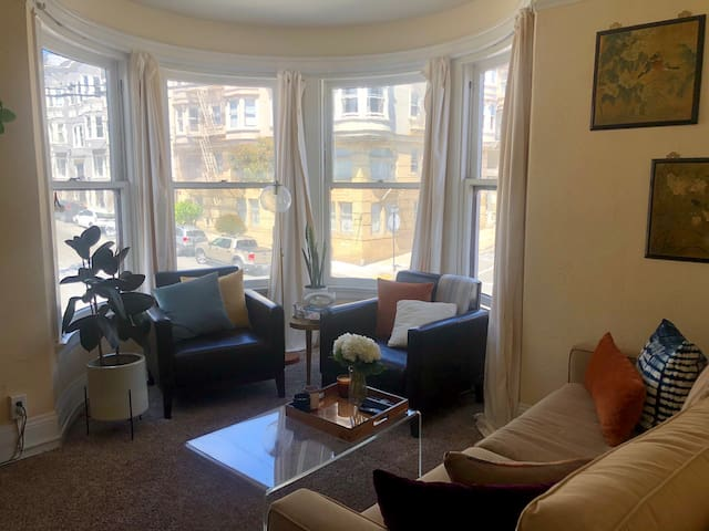Nob Hill 1 bed/1 bath apt walkable to essentials