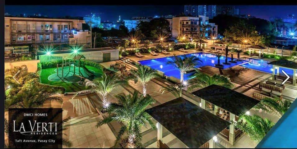 La Verti Condo Resort near airport , Mall of Asia - pasay city - Apartment