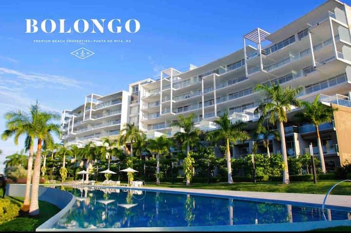New Luxury Beachfront Condo, Bolongo