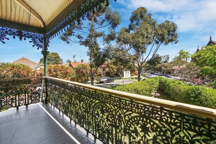 Grand home + Office 2 Private Balconies STANMORE
