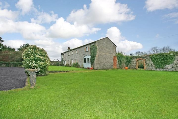 Castlefergus Lodge Double Room