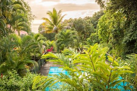 Les jardins de l'espérance Gîte 1 - Bungaló