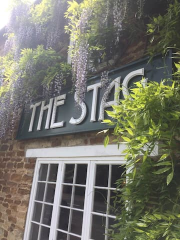 The Stag at Maidwell Rm 1