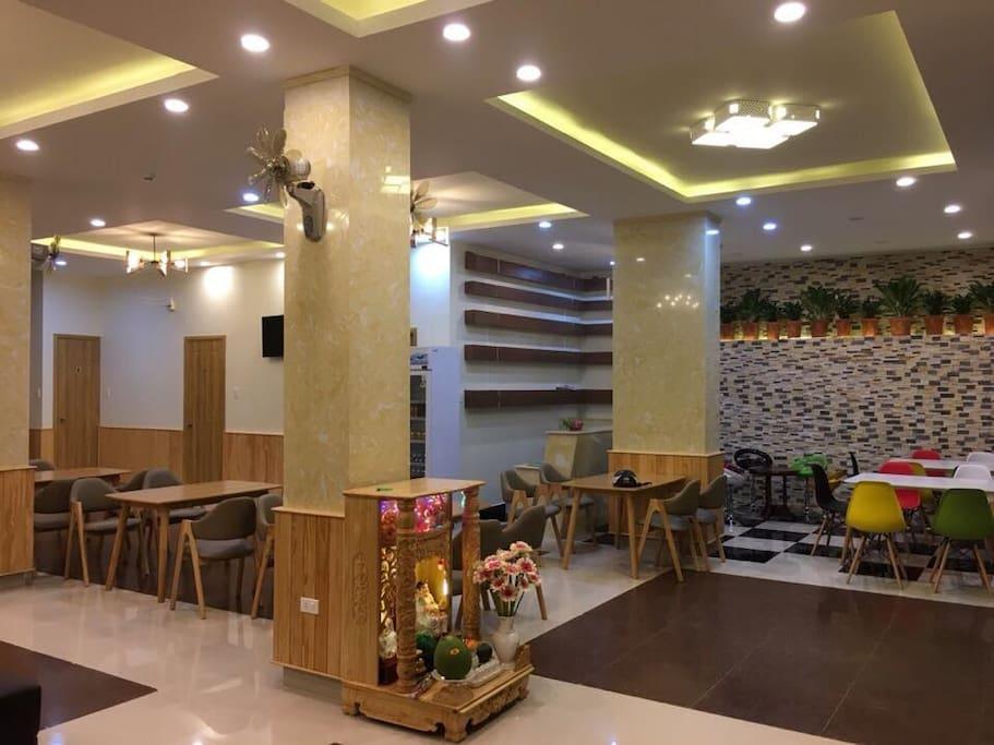 Coffee & Bar