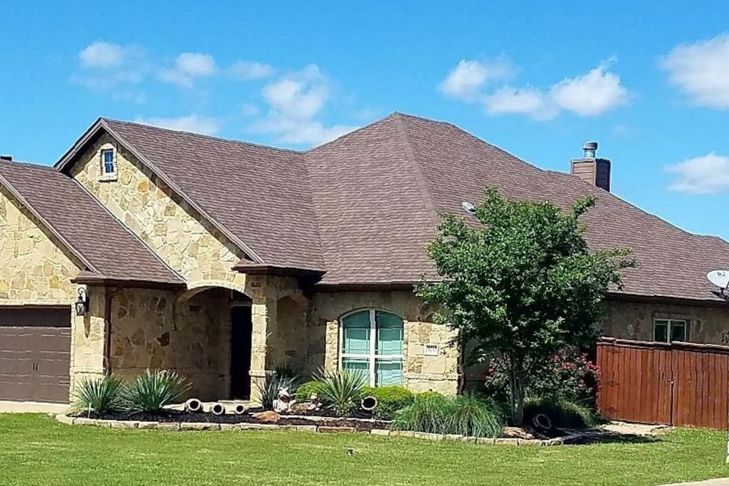 Luxury resort-style home on a large corner lot. Easily accessibility to Texas A & M, 2-blocks away from Baylor Scott & White Hospital, and all Bryan/College Station attractions!