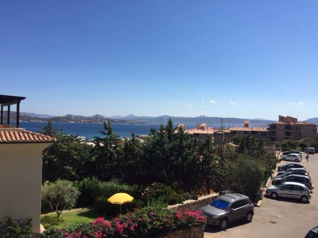 Luminoso appartamento a 5' dal mare - punta tegge - La Maddalena - Apartment