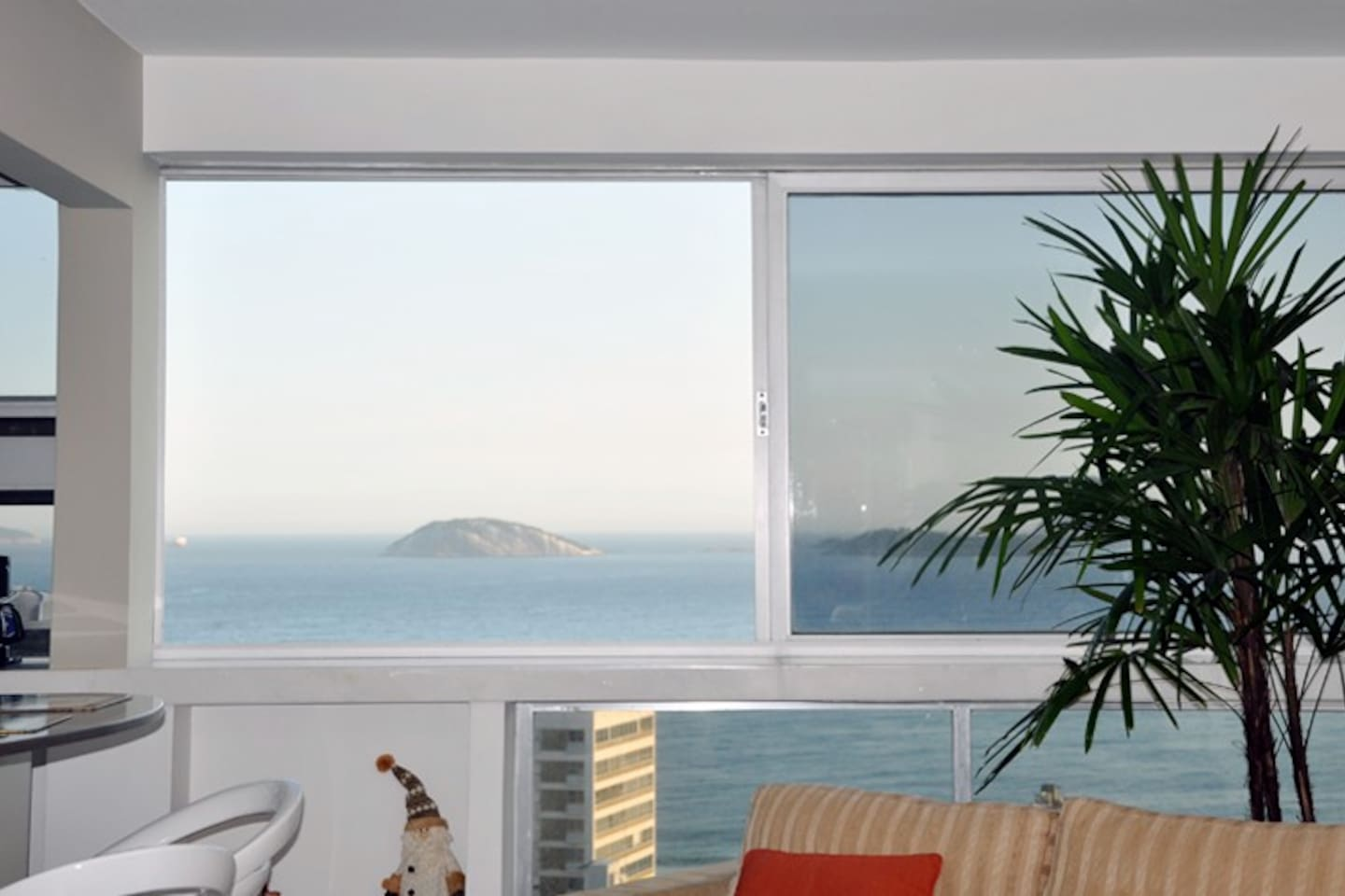 Apartment with a magnificent view of the sea