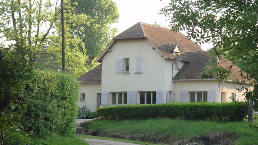 Campagne tout près de Paris - Montfort-l'Amaury - Hus