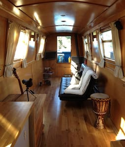 Beautiful Narrow Boat Home - Bateau