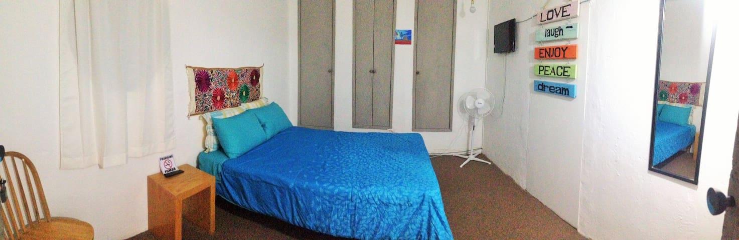 """Habitación cama matrimonial/""""Casa 45"""" en el centro"""