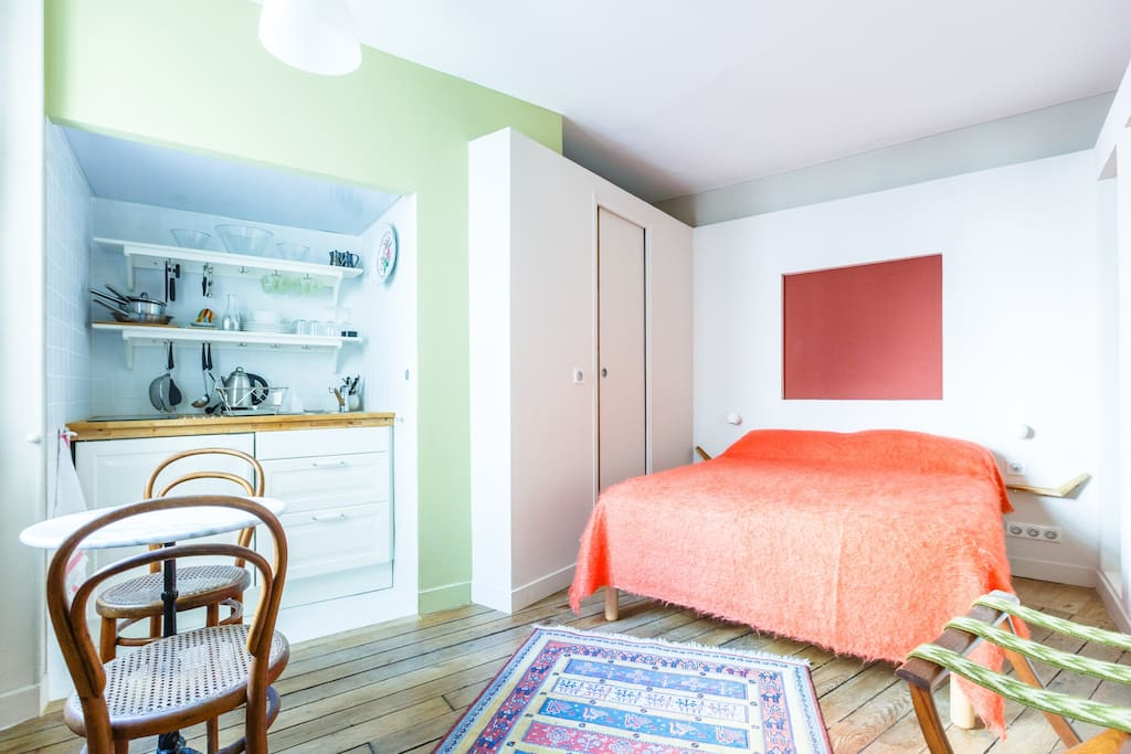 Un nid a montparnasse the nest appartements louer - Nid rouge lincroyable appartement paris ...