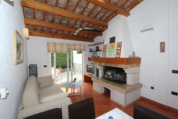 VILLA BURIC One-Bedroom Apartment with Terrace 1