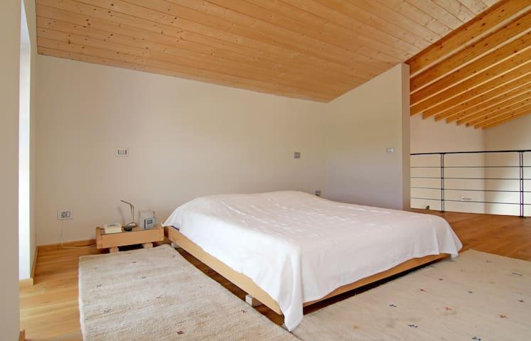 Camera da letto principale al secondo piano: 1 letto matrimoniale + ! letto singolo