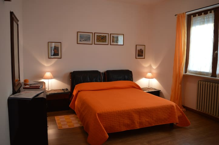 apartment in the city of theTruffle - Alba - Apartemen