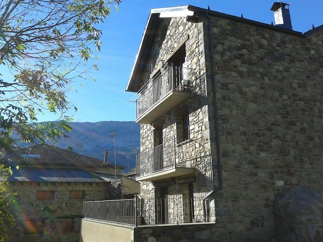 Duplex attic, Benasque Valley (HU) - Sos - 公寓