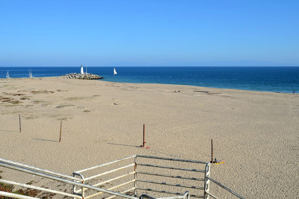 Beautiful Seabright beach is only 100 yards away. Stairs to sand make beach access super easy! Near harbor, Boardwalk and lots of restaurants.