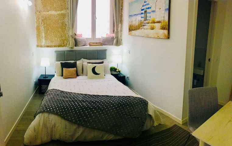 Centrical room in the heart of Madrid O