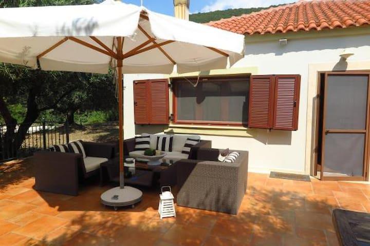Villa Raki