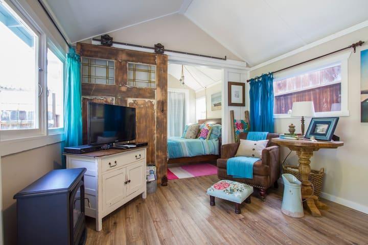 Historic John Steinbeck's Traveler's Cottage