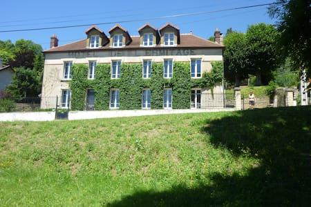 Maison de Charme ou chambre à louer - Sainte-Aulde - Rumah