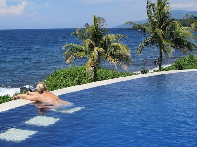"Toyabali, Lux. Beach Villa ""Denise"""