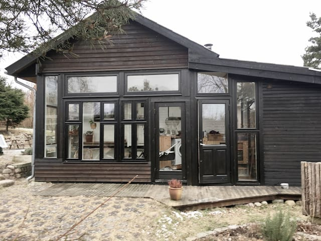 Rustic & Peaceful Summerhouse 1Hr from CPH