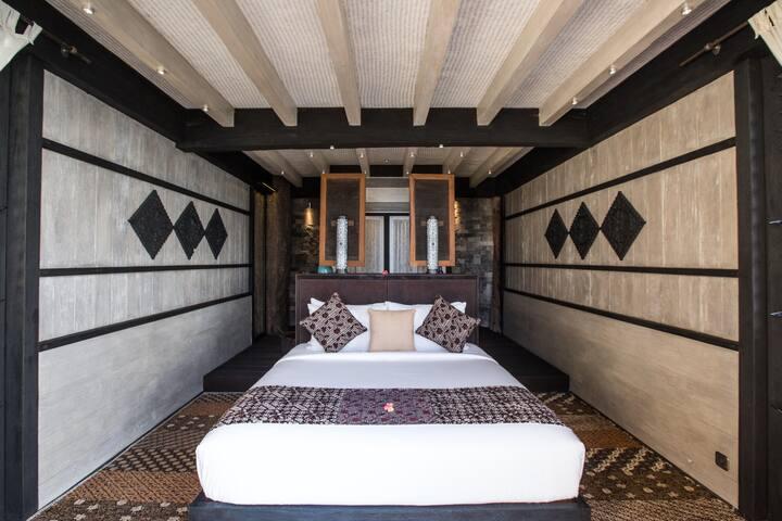 Breath-Taking Three Bedroom Bajau Villa in Bali!