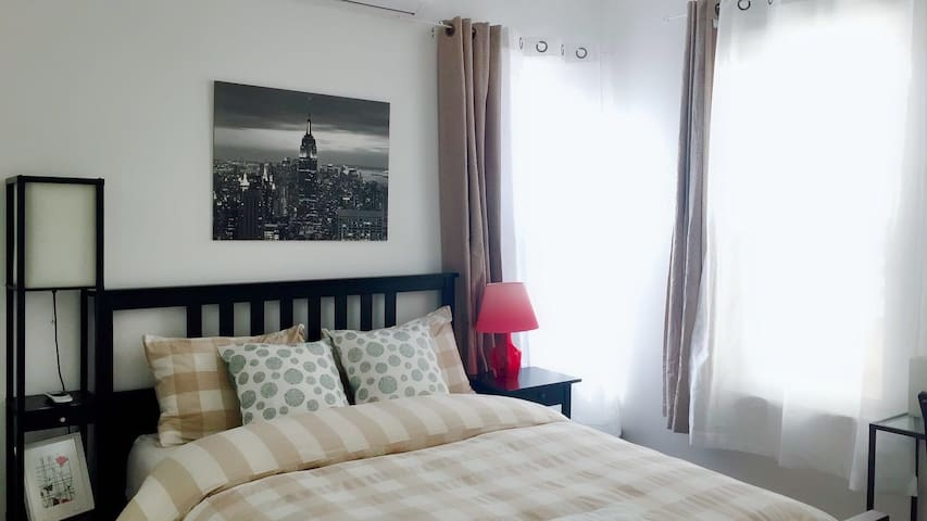 23: Large Bright new private room near EWR Airport