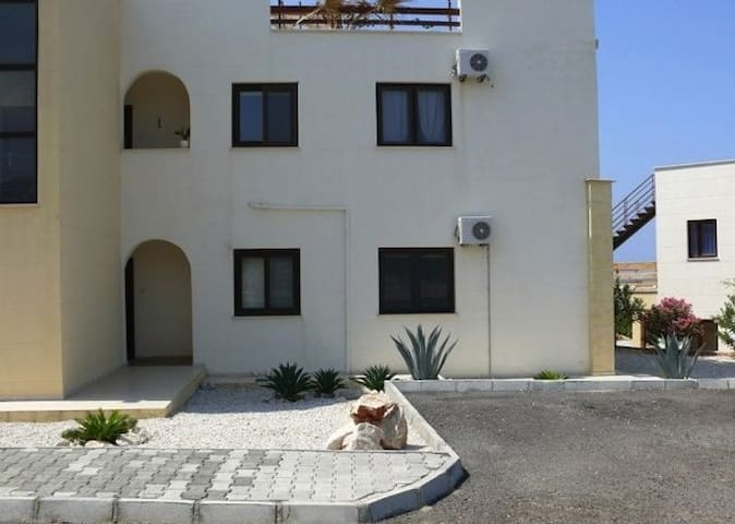 Lovely 3 Bed Aprt Northern Cyprus  - Esentepe - Appartement