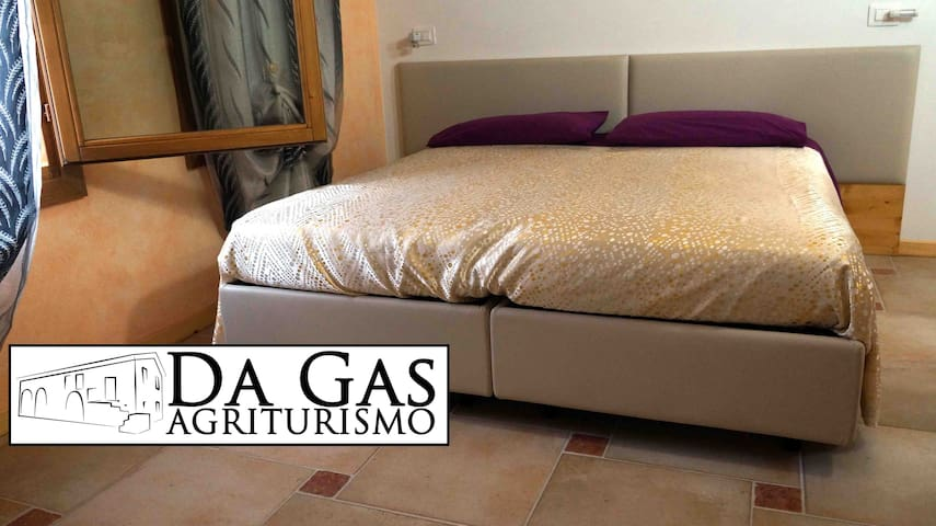 Room4 - Da Gas, Paduan countryside